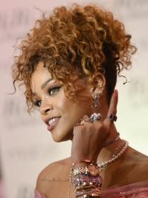 Rihanna en Vanity Fair: pelirroja, desnuda y provocativa