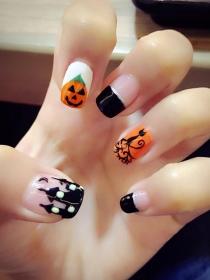 Halloween: diseño de calavera, drácula y momia para uñas