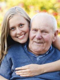 Frases de amor para dedicar a tu abuelo: el otro padre de tu vida
