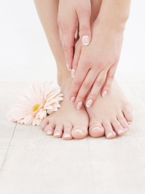 Razones y soluciones para los hongos de las uñas de manos y pies