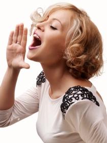 Soñar con tu propia voz: un ejercicio de introspección