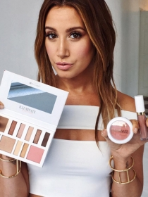 Ashley Tisdale: los productos de maquillaje de The Haute Mess