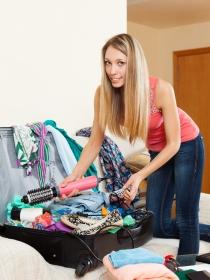 Soñar con hacer las maletas: decide lo que quieres llevar