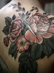 Qué significa tatuarse una rosa