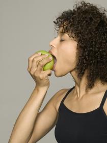 como bajar de peso en 2 semanas sin dejar de comer