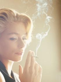 Soñar con tabaco: hablemos de negocios y de amor