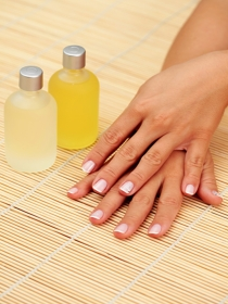 El truco de vinagre de manicura para unas uñas divinas