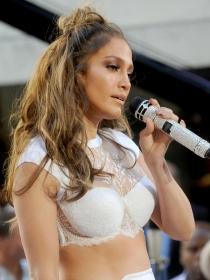 Jennifer Lopez: make up de ojos ahumados natural paso a paso