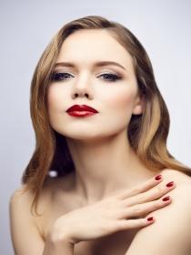 5 tipos de uñas que te encantará llevar a una boda de verano