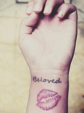 Significado de tatuajes de besos
