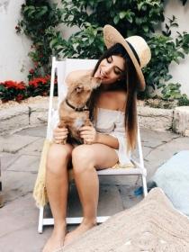 Perros de famosos: Lola, la mascota de Dulceida o Aida Domenech