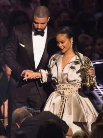 Atenta, Rihanna: por qué todas necesitamos un Drake en la vida