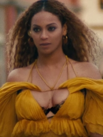 Beyoncé en Hold Up: copia su sexy vestido amarillo de Cavalli