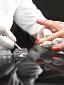 Cuánto tiempo se tarda en hacer una manicura en acrílico