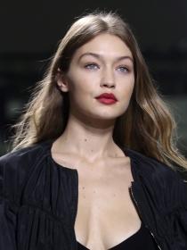 Maquillaje de día a make up de noche: así lo hace Gigi Hadid