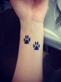 Qué significan los tatuajes de huellas