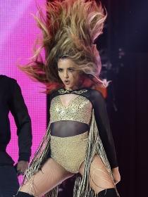Qué hay detrás de las críticas al vestuario de Little Mix