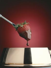 Las razones por las que el cuerpo te pide chocolate y dulce en la regla