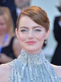 Tips de maquillaje para pieles muy claras como Emma Stone