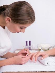 Por qué la manicura de gel puede ser mala para tus uñas