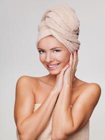 ¿Hay que dejar de maquillarse de vez en cuando para cuidar la piel?