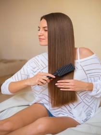 5 maneras de impedir que tu pelo se rompa con el cepillo