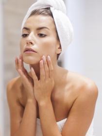 Cómo cuidar tu piel si la tienes muy grasa