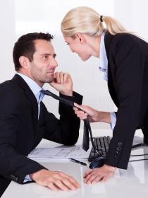Sueños eróticos en la oficina: pasión en el trabajo