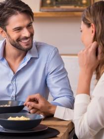 Las parejas que comen juntas son más felices