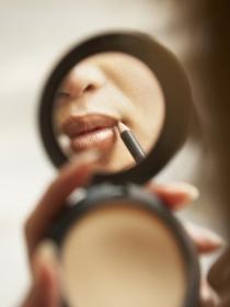 5 errores que estás cometiendo al aplicar tu lápiz de labios