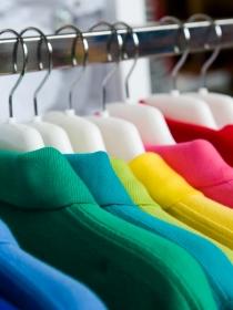 Descubre qué tonos debes vestir según tu color de pelo