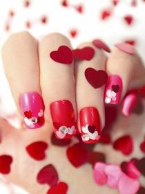 Uñas en San Valentín: diseños románticos