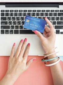 Comprar por Internet puede hacerte más feliz