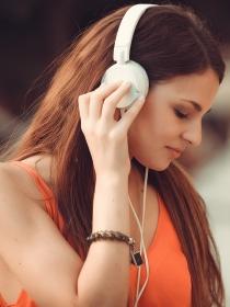 Por qué escuchar música cada día te hace más feliz