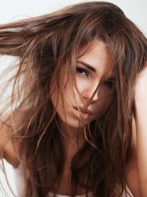 El peligro de soñar que se te cae el pelo