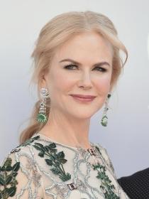 Pelo: apuesta por una sexy coleta baja como Nicole Kidman