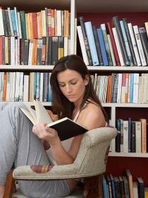 El cultural significado de soñar con leer muchos libros