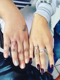 10 ideas de tatuajes para hacerte con una nueva amiga
