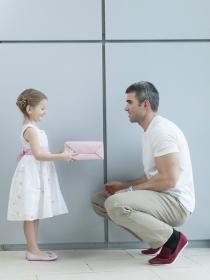 Horóscopo: cómo son como padres los hombres Libra