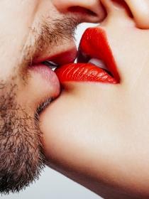 ¿Sabías que besar es bueno para la salud?