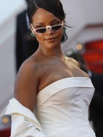 Rihanna planta cara a las críticas por su peso