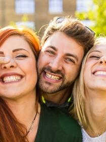 Qué hacer si te enteras que tu ex se ha liado con tu (mejor) amiga