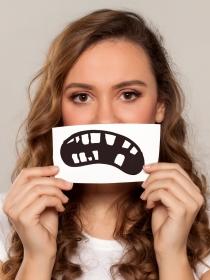 Soñar que se te caen los dientes: problemas de autoestima
