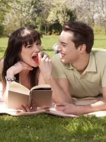 Cómo sobrevivir al verano con pareja (o sin ella)