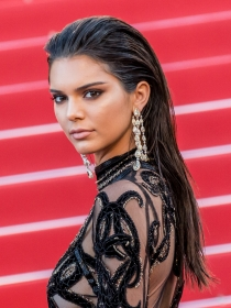 Copia el Wet Look de Kendall Jenner
