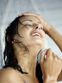Cómo lavarse el pelo correctamente paso a paso