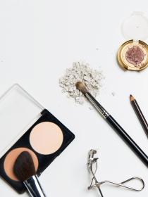 Cómo hacer que tus cosméticos duren más