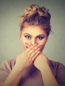 Soñar que se te rompen los dientes: ¿qué pasa con tu autoestima?