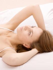 Soñar que te levantas cansada: cuidado con tus sueños