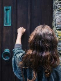 Soñar que llaman a la puerta de mi casa: ¿será una oportunidad?